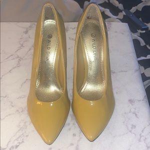 Wild Diva Yellow Pump Heels Size 6.5